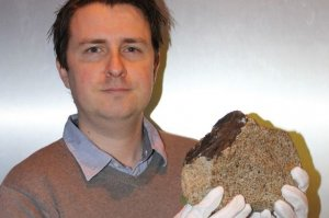 BARWELL'S FAMOUS SPACE ROCK AWARDED A GREEN PLAQUE