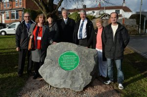 Green plaque to mark Barwell meteorite unveiled